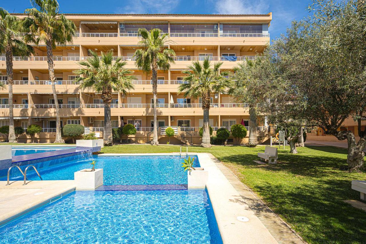 Apartamento -                                       Playa De Albir -                                       2 dormitorios -                                       5 ocupantes