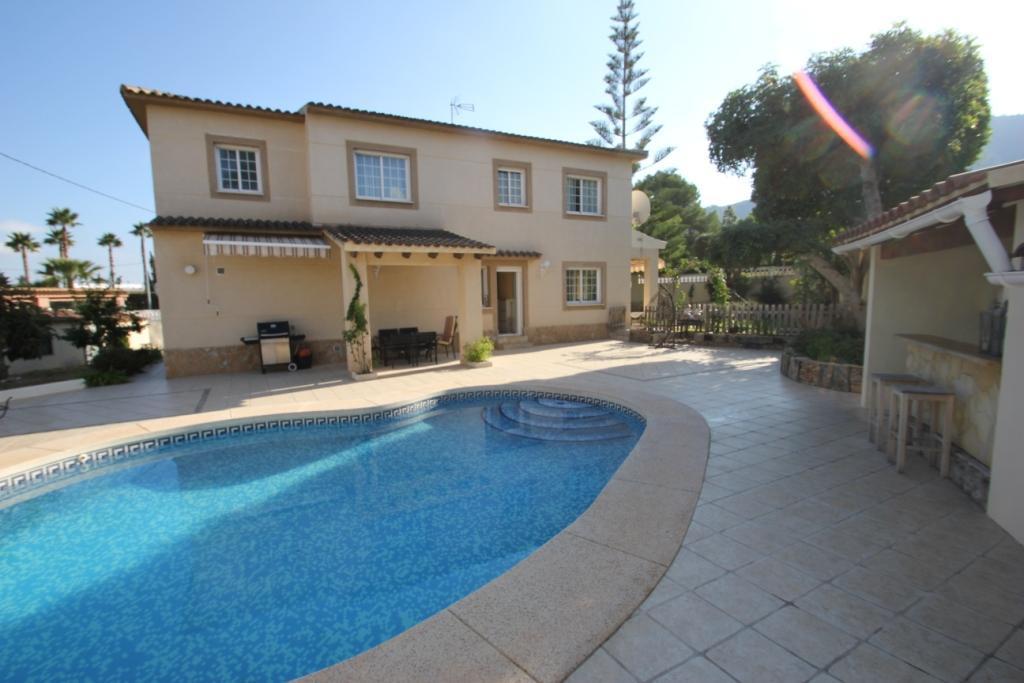 Villa -                                       Playa De Albir -                                       4 dormitorios -                                       0 ocupantes