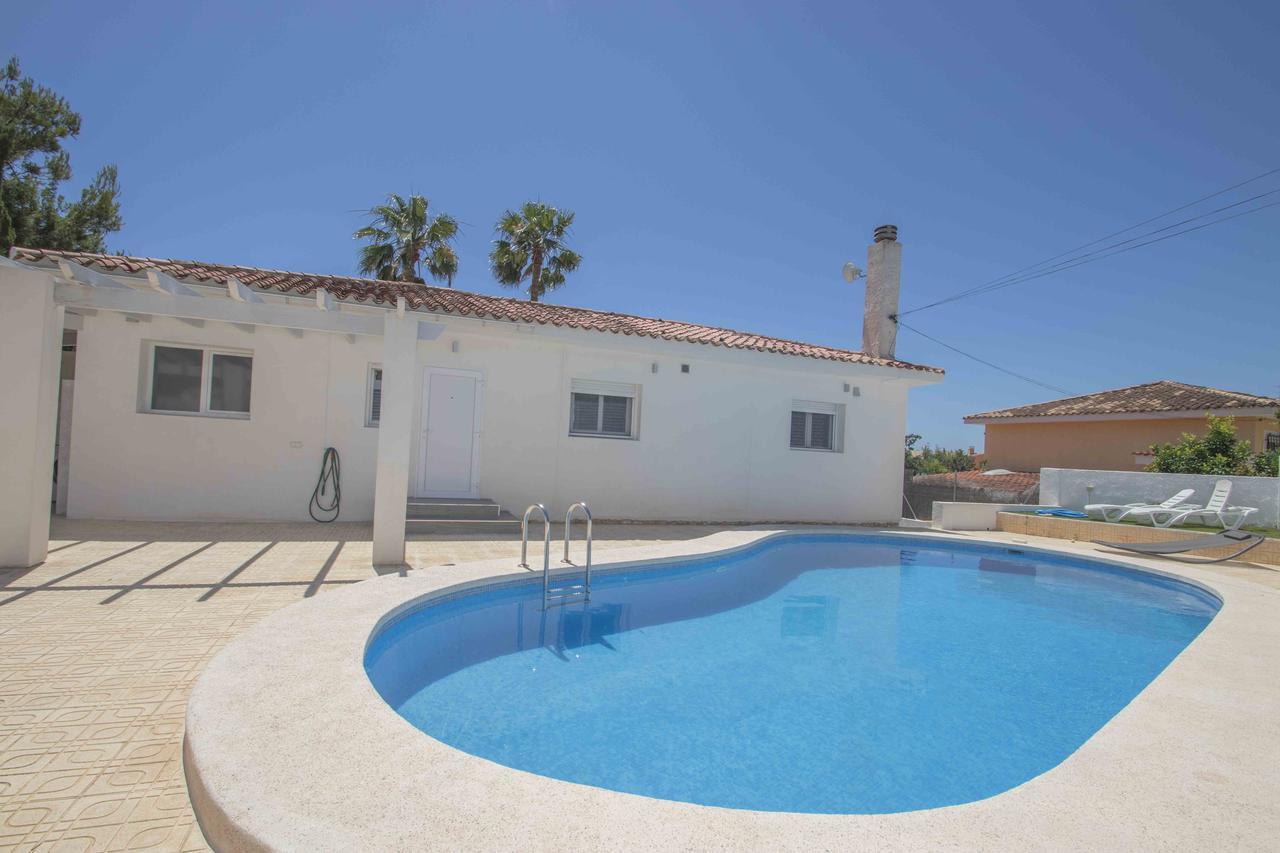 Villa -                                       Alfaz Del Pi -                                       5 dormitorios -                                       0 ocupantes
