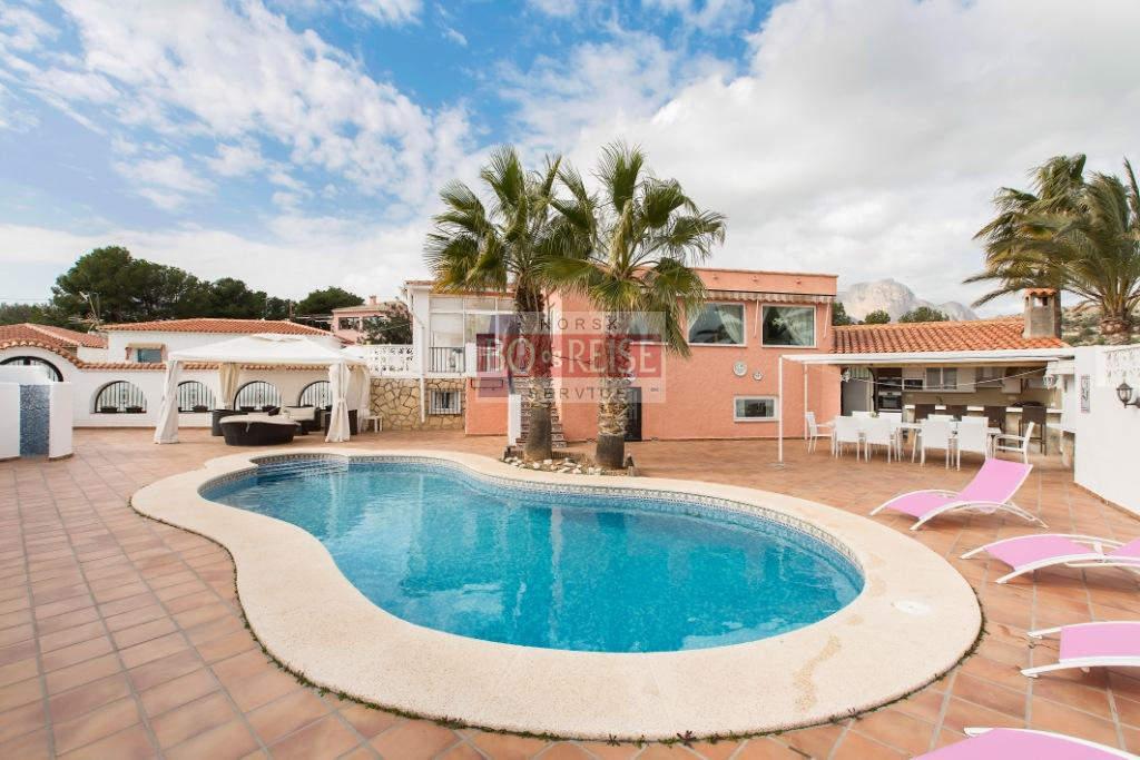 Villa -                                       Alfaz Del Pi -                                       5 dormitorios -                                        ocupantes